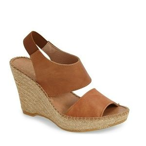 🆕 ANDRE ASSOUS Reese Leather Wedge Sandals NWB